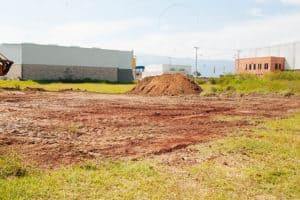 exterior terreno industrial sin construir