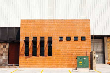 imagen de fechada de bodega industrial
