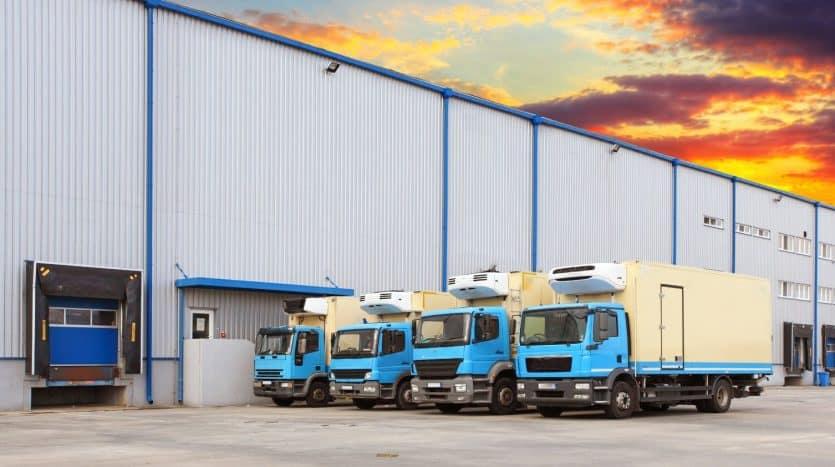 imagen de 4 trailers fondo de empresa industrial