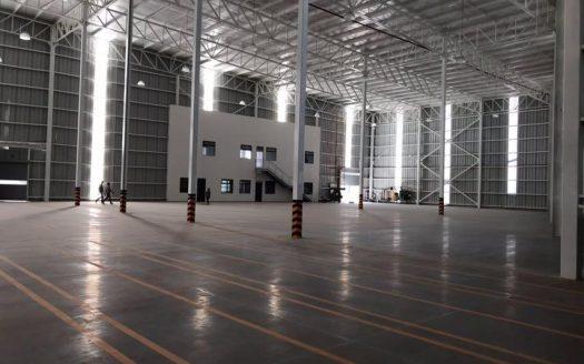 imagen de interior de nave industrial vacía
