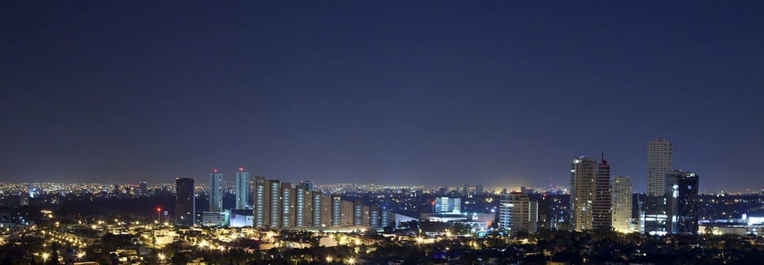 imagen de la ciudad de guadalajara de noche