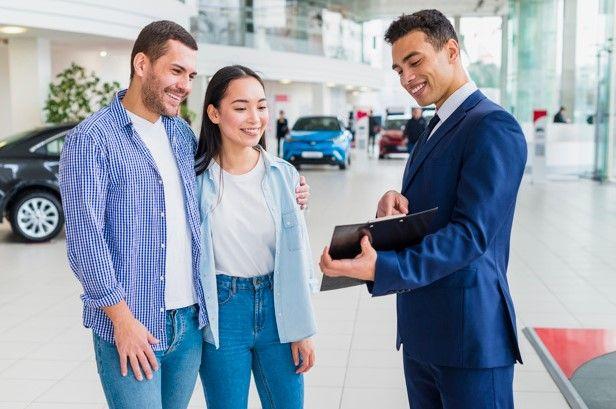 imagen de clientes con vendedor